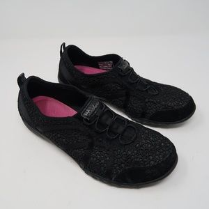 Womens Black Floral Sketchers Sneakers Size 8.5